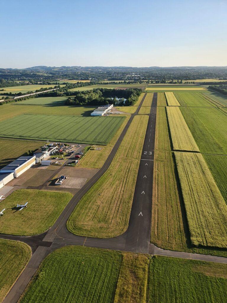 Blick auf den Flugplatz Porta