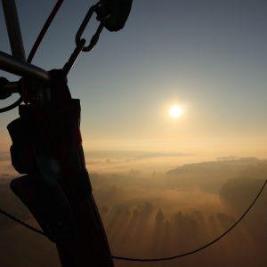 Blick aus dem Korb zum Sonnenuntergang am Teutoburger Wald