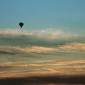 Ballon im Morgenrot