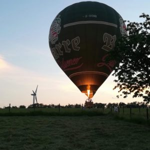 Einschweben zur Landung Ballonfahrt Landefeld